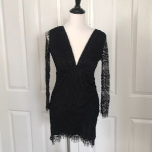 Dresses & Skirts - Black lace stretchy long sleeved size S dress